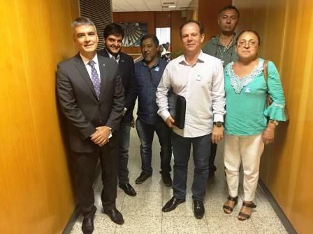 A direção do SINDIRETA esteve no gabinete do secretário da Casa Civil